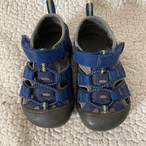 Infant keen sandals